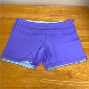 """Lululemon 4"""" shorts Vintage Size 6 Reversible"""